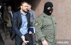 Новые обыски в коттедже Сандакова