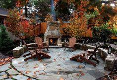 Тротуарная плитка во дворе частного дома: фото композиций