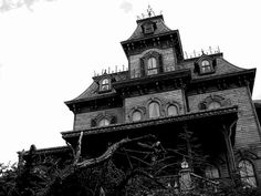 abandoned or haunted houses authentic | loves me some haunted houses. My perfect house is one that looks all ...