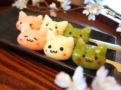 """japancandybox: """"❤ Japan Candy Box ❤ The Sweetest Monthly Japanese Candy Subscription Box ❤ """" Japanese Snacks, Japanese Candy, Japanese Sweets, Japanese Food, Cute Snacks, Cute Desserts, Sushi, Japanese Wagashi, Real Food Recipes"""