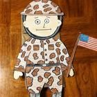 Veteran's Day SoldierHave  your students celebrate Veteran's Day by making these great Soldier Puppets.Includes two patterns. One camouflage a...