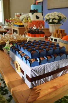 Little Farm Party Ideas via www.babyshowerideas4u.com #babyshowerideas #babyshowerideas4u