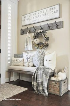 Stunning Rustic Small Mudroom Entryway Decor Ideas - Home Design - lmolnar - Best Design and Decoration You Need Shabby Chic Decor, Rustic Decor, Farmhouse Decor, Modern Farmhouse, Farmhouse Bench, Rustic Style, Farmhouse Ideas, Cottage Farmhouse, Coastal Farmhouse