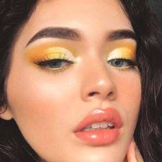 ✨🌻☀️ new vid on this summery glowy yellow makeup! link is in my bio :. Augen Makeup, , ✨🌻☀️ new vid on this summery glowy yellow makeup! link is in my bio :. ✨🌻☀️ neues vid auf diesem summery glowy gelben Make-up ! Makeup Eye Looks, Cute Makeup, Skin Makeup, Eyeshadow Makeup, Beauty Makeup, Gorgeous Makeup, Makeup Brushes, Makeup Art, Pretty Makeup