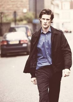 If I saw this vision walking down this street, you can be sure that I would pass out from the gorgeous-ness.