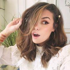 Marzia Bisognin   short hair   eyeshadow brush