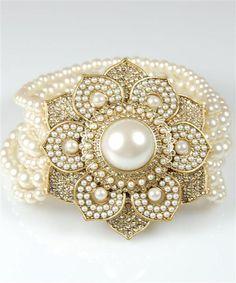 Beautiful pearl bracelet <3