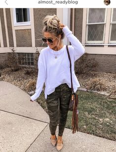 30 Excellent Fall Winter Grunge Edgy Fashion Outfits This Years ~ Fashion & Desi. - Outfits for Work Crop Top Outfits, Mom Outfits, Casual Fall Outfits, Fall Winter Outfits, Chic Outfits, Spring Outfits, Trendy Outfits, Fashion Outfits, Grunge Outfits