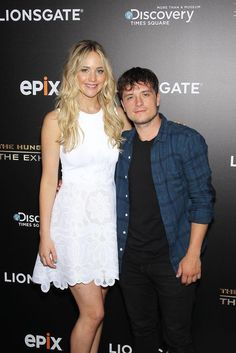 Jennifer Lawrence Reunites with Her 'Hunger Games' Co-Stars at Exhibit Opening!: Photo Jennifer Lawrence reunites with some of her Hunger Games co-stars to celebrate The Hunger Games: The Exhibition opening held at The Discovery Times Square on Monday… Josh Hutcherson, New Hunger Games, Hunger Games Trilogy, Celebrity Pictures, Celebrity Style, Jennifer Lawrence Hunger Games, Josh And Jennifer, Hunger Games Exhibition, Star Wars