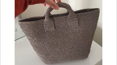Making bags with paper rope - 3 - βιντεο τσαντες - Free Crochet Bag, Crochet Shell Stitch, Crochet Purses, Crochet Handbags, Crochet Shoulder Bags, Diy Sac, Bag Pattern Free, Patchwork Bags, Beach Tote Bags