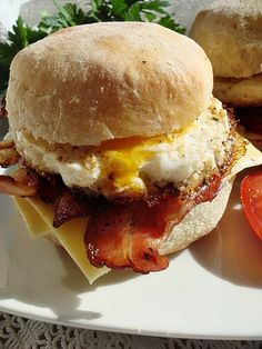 BLOGKONYHA: A(z) angol muffin kifejezés keresési találatai Hamburger, Muffin, Chicken, Ethnic Recipes, Food, Mainz, Essen, Muffins, Burgers
