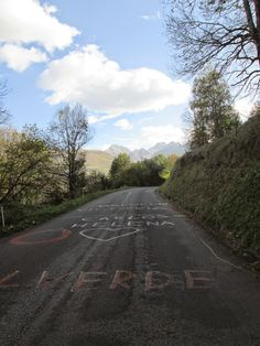 Climbing the Col de Val Louron-Azet (1580 m) from Loudenvielle - Tour de France 2014