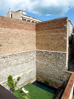 pool in Girona, Spain. Photo: Andrea Wyner for The New York Times