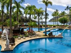 Hawaii embodies the ultimate dream vacation for many travelers – the sparkling ocean water, the golden sand, volcano hikes, and… Kauai Beach Resort, Kauai Resorts, Resort Spa, Beach Resorts, Affordable Hotels, Cheap Hotels, Best Hotels, Coral Reef Resort, Lihue Kauai