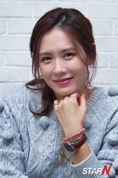 Korean Actresses, Korean Actors, Korean Beauty, Asian Beauty, Prettiest Celebrities, Jun Ji Hyun, Korean Star, Asian American, Foto Pose