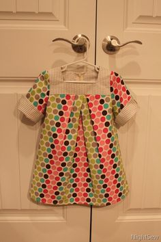 Simplicity pattern 1949  On offer, now £3.25  http://www.simplicitynewlook.com/1949/
