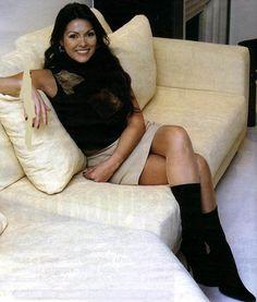 Aydan Şener Brunette Beauty, Bean Bag Chair, Curves, Hollywood, Celebs, Actresses, Sexy, Artist, People