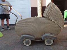 Ich hatte so einen Puppenwagen mit 3 Jahren.
