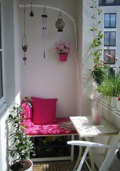 ber ideen zu kleine balkone auf pinterest balkon balkongarten und terrasse. Black Bedroom Furniture Sets. Home Design Ideas