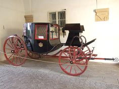 Opočno castle in 2009 55 - Chariot (carriage) - Wikipedia Buggy, Baby Strollers, Transportation, Castle, Milk, Chairs, Cookies, History, Fashion