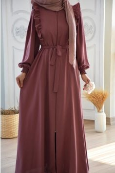 Modest Outfits Muslim, Modest Long Dresses, Long Skirt Outfits, Girls Maxi Dresses, Stylish Dresses, Casual Dresses, Abaya Fashion, Skirt Fashion, Fashion Dresses