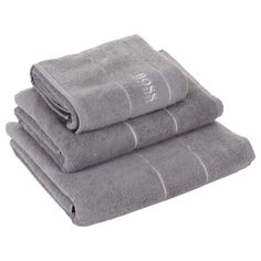 This luxurious bath towel by Hugo Boss is part of the Plain collection of block colour towelling. In a beautiful shade of Concrete grey, it's made from sumptuously soft 100% Egyptian cotton with a ...