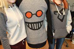 Pitsiä, painantaa ja vähän muutakin... Hoodies, Sweaters, Fashion, Moda, Sweatshirts, Fashion Styles, Parka, Sweater, Fashion Illustrations