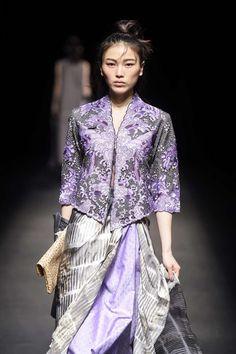 Indonesia Fashion Week, Batik Kebaya, Batik Fashion, Business Fashion, Business News, Women Wear, Sari, Information, Beautiful
