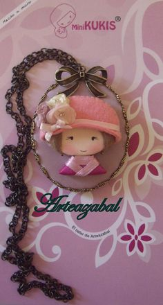 ARTEAZABAL.: Camafeos Brooches Handmade, Handmade Necklaces, Love Necklace, I Love Jewelry, Felt Crafts, Christmas Ornaments, Beads, Holiday Decor, Pattern