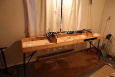 Ski tuning table with ski with edge up