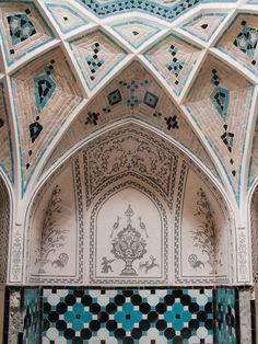 archilista:    androphilia:    Hammam Of The House Of The Āmeri Family (Khan-e Ameriha), Kashan, Iran
