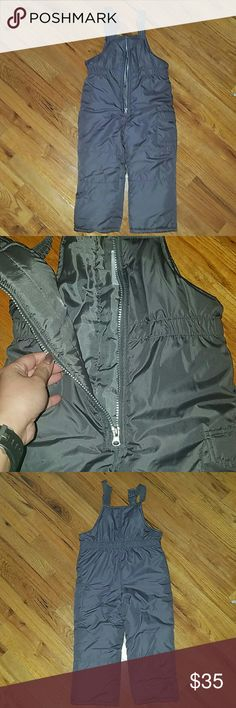 Carters Winter Snow Suit, Size 4T Wonderful warm dark gray snow suit.  This was used once, that's it!!  Excellent condition, good as new.  No flaws, no stains.  Side cargo pocket.  Front zipper, buckles over the shoulder. Carters Jackets & Coats