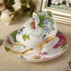 Coffee Cup Set, Coffee Cups And Saucers, Tea Cup Set, My Cup Of Tea, Tea Cup Saucer, Vintage Cups, Vintage Tea, Bone China Tea Cups, Tea Service