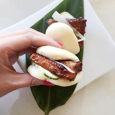 Instagram ... Kurobuta pork belly bao Vietnamese Recipes, Thai Recipes, Asian Recipes, Pork Belly Bao, Noodle Bar, Dinner Menu, Korean Food, Japanese Food, Stir Fry