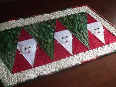 Ariane Quilts: Santa is coming table runner tutorial!!!