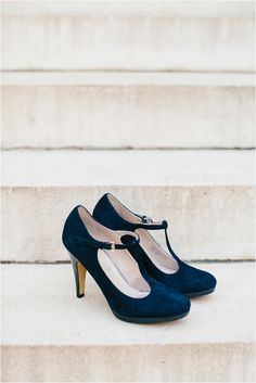 Le Magnifique Blog: Classic Blue Wedding by Emily March Photography