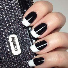 Designs et styles élégants de clous noirs et blancs