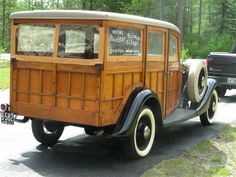 1933 Ford Deluxe Woodie Wagon!