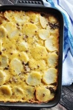 Hamburger Potato Cheese Casserole Recipe - Made this with ground turkey and used homemade taco seasoning. Poured 2 tbsp melted butter and 4 tbsp of milk over it after layering with velveeta and shredded cheddar. Cheese Potato Casserole, Casserole Recipes, Healthy Beef Recipes, Ground Beef Recipes, Homemade Tacos, Homemade Taco Seasoning, Velveeta, Ground Turkey, Melted Butter