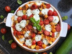 Caprese Salad, Cobb Salad, Mozzarella, Ethnic Recipes, Foods, Drinks, Tomatoes, Seeds, Food Food