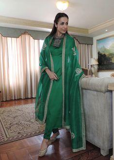 Indian Bridal Outfits, Indian Fashion Dresses, Dress Indian Style, Wedding Outfits, Stylish Dress Designs, Designs For Dresses, Stylish Dresses, Simple Dresses, Pakistani Dresses Casual