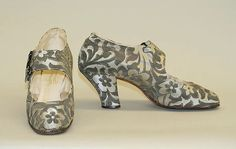 Shoes Spier's National Schuh Date: late Culture: German Medium: silk Dimensions: Heel to Toe: 10 in. cm) Credit Line: Gift of Mary Wheeler Heller, 2001 Accession Number: b 1920s Shoes, Vintage Shoes, Vintage Accessories, Vintage Outfits, Fashion Accessories, Vintage Fashion, Vintage Dresses, Historical Clothing, Antique Clothing
