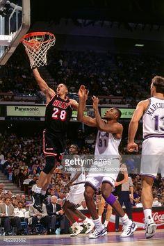 Fotografia de notícias : LeRon Ellis of the Miami Heat shoots during a...
