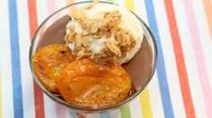 Chocolademousse met gebakken abrikoos, mascarpone en krokante amandel | VTM Koken