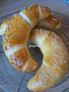 Pasta Fagioli Recipe, Tapas Menu, Ciabatta, Hungarian Recipes, Bread And Pastries, Canapes, Oven Baked, Bread Baking, Bagel