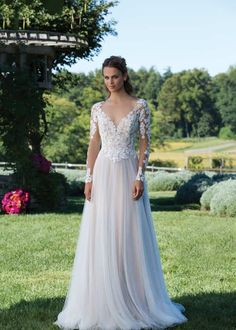 Wedding Dress 3972 by Sincerity Bridal - Search our photo gallery for pictures of wedding dresses by Sincerity Bridal. Find the perfect dress with recent Sincerity Bridal photos. Sincerity Bridal Wedding Dresses, Wedding Dresses Under 100, Chiffon Wedding Gowns, Wedding Dress Pictures, Sexy Wedding Dresses, Bridal Dresses, Gown Wedding, Justin Alexander, Boho Stil