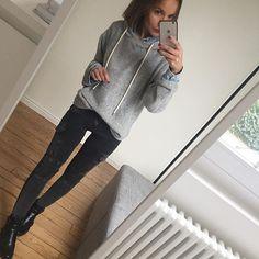 Plan grand froid multicouches activé ! Bonne journée #onsortledamart#glamouretfroidnefontpasbonménage#bientôtlesuggs#ootd#outfit#dailylook#dailyoutfit#instafashion#fashionpost#fashiondiaries#wiwt#metoday#winterlook totallook#zara