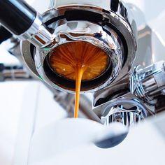 die besten 25 espresso shot ideen auf pinterest espressokaffee expresso kaffee und kaffeesorten. Black Bedroom Furniture Sets. Home Design Ideas