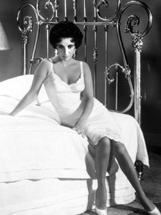 Elizabeth Taylor: Cat on a Hot Tin Roof, 1958   ~LOVE this film, and her dress