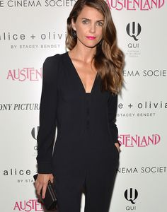 Keri Russell Wearing all black Stella McCartney Ofelia stretch-crepe jumpsuit and Saint Laurent Studded stiletto booties at the 'Austenland' New York Screening Kerri accessorize with a Tifanny & Co clutch. Tifanny And Co, Keri Russell Style, Harper's Bazaar, Wearing All Black, Diane Kruger, Hollywood, Celebrity Look, Celebrity Gossip, Red Carpet Looks
